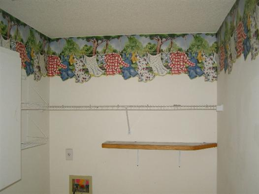 Laundry room: Clothesline wallpaper border