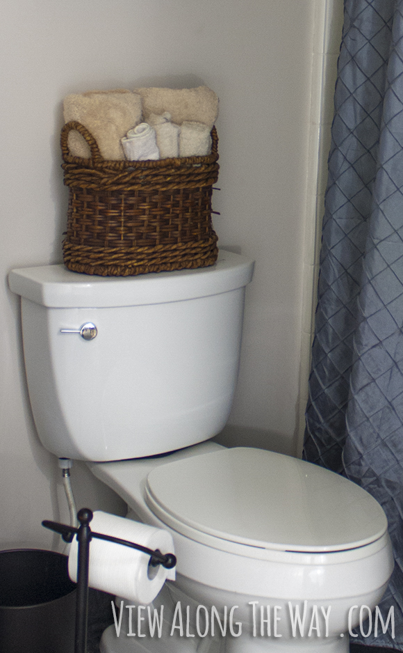Decorating Bathroom Baskets Towels : Easy steps to a luxury guest bathroom on budget