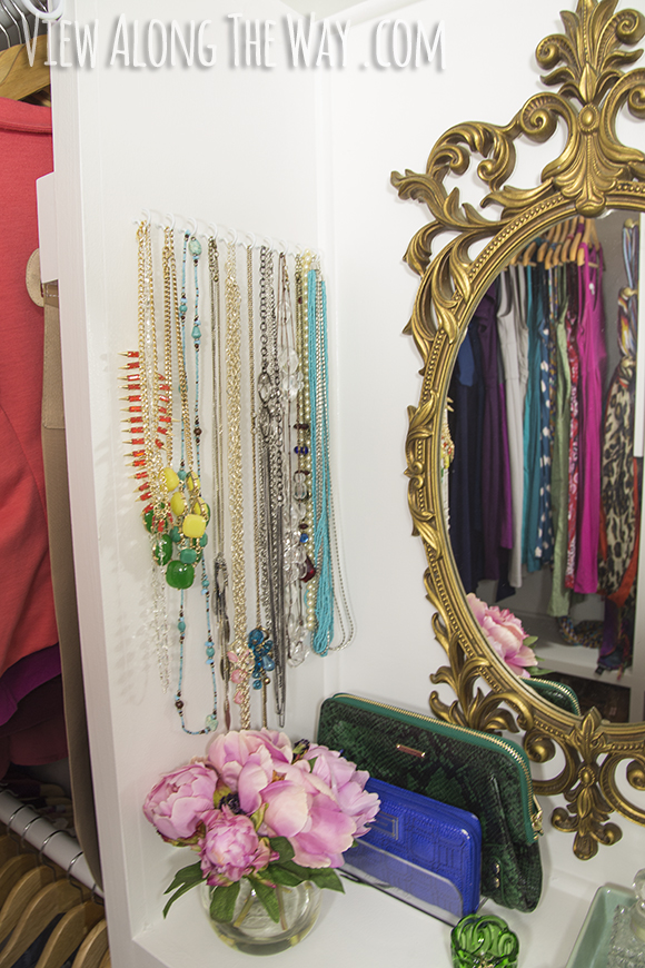 A million creative closet ideas! Check out the jewelry storage inspiration for your own house!